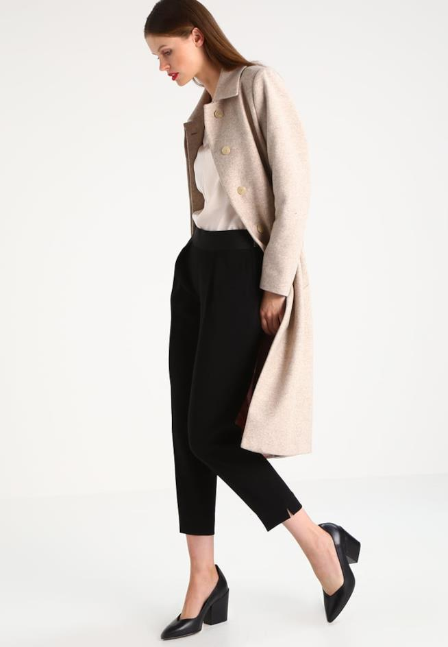 Il pantalone nero elegante