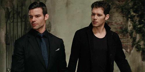 Klaus e Elijah Mikaelson