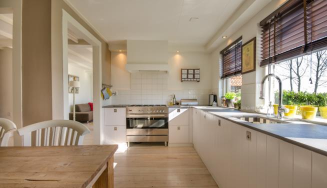 I consigli su quali colori scegliere per le pareti della cucina