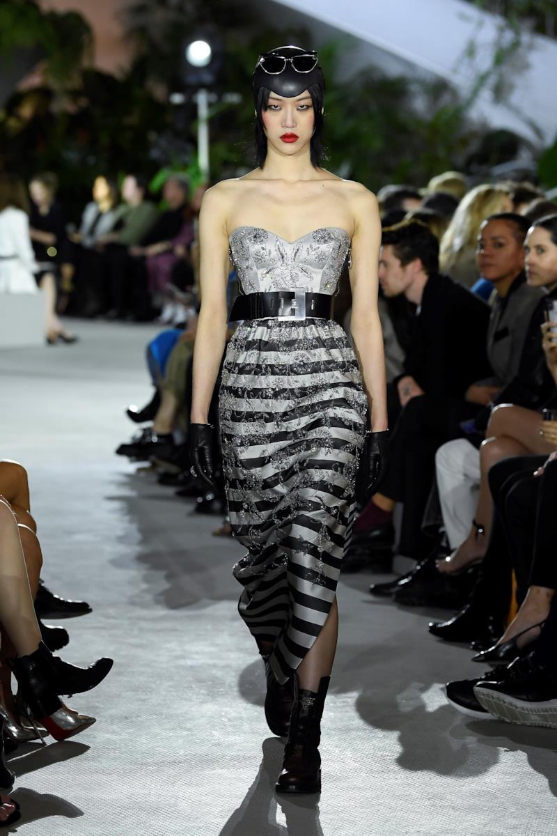 Sfilata LOUIS VUITTON Collezione Donna Primavera Estate 2020 New York - Vuitton Resort PO RS20 0051