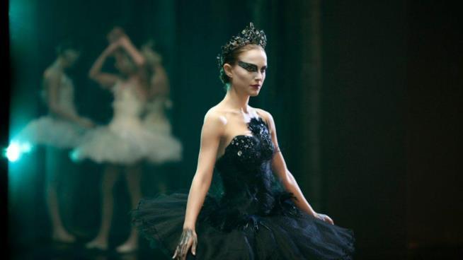 Natalie Portman interpreta il cigno nero nell'omonimo film