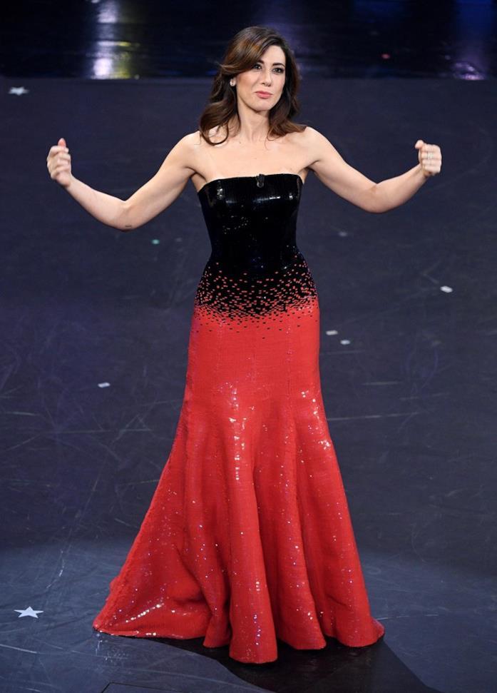 Virginia Raffaele sfoggia un long dress