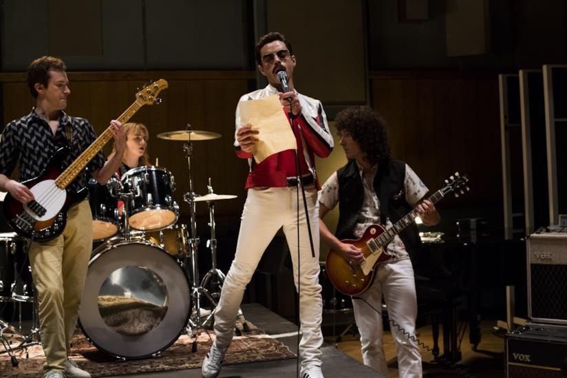 Una scena di Bohemian Rhapsody mostra i Queen sul palco