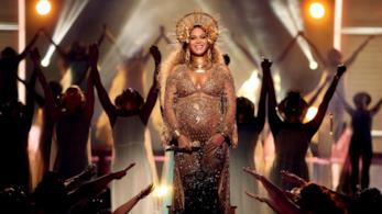 Una meravigliosa immagine di Beyoncé con pancione