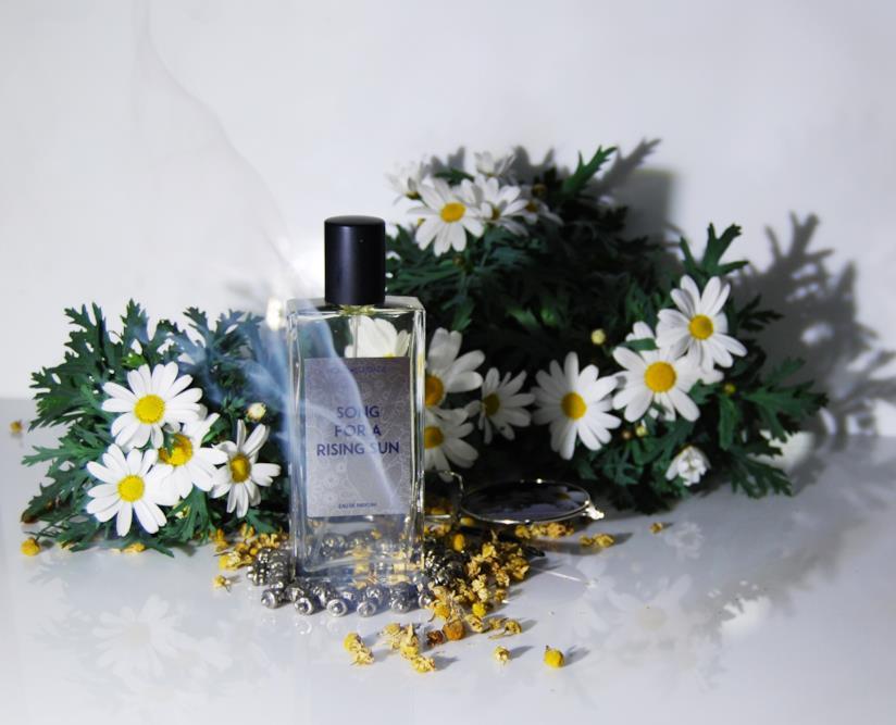 Fragranza ipnotica con foglie di ananas e hashish