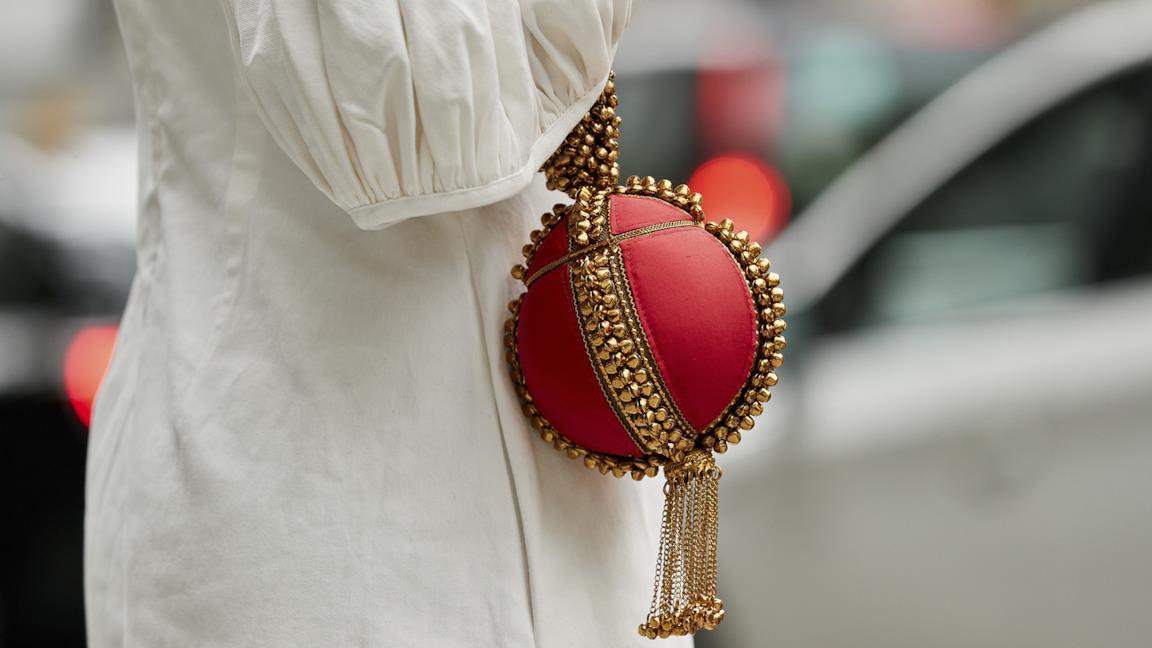 Le borse a palloncino sono la nuova ossessione del momento