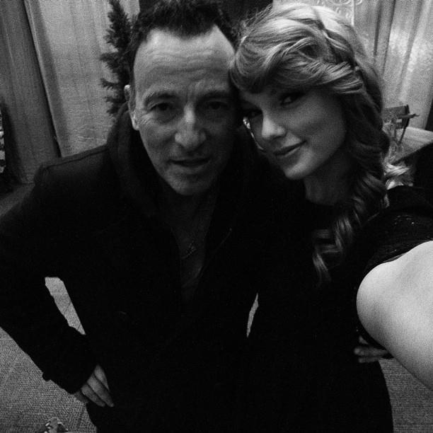Bruce Springsteen insieme a Taylor Swift nel backstage dello show della cantante