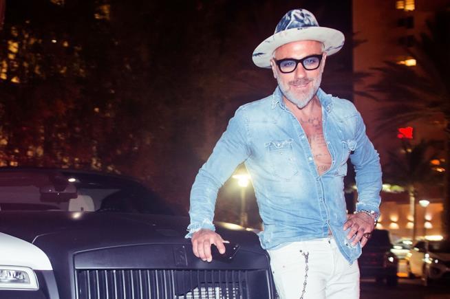 Gianluca Vacchi in una delle sue serate