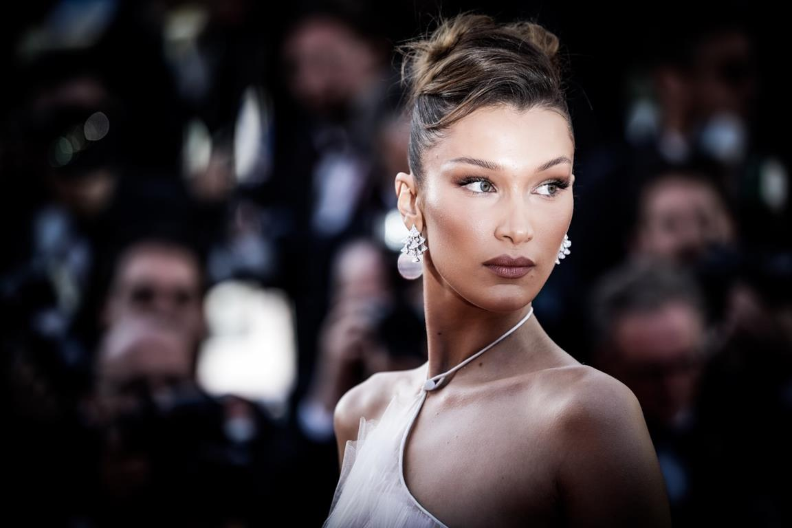 Bella Hadid in primo piano