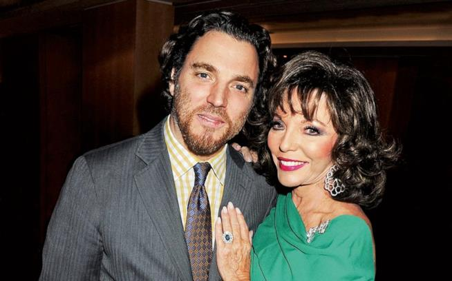 Alexander 'Sacha' Newley e la madre Joan Collins