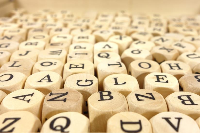 Dei dati con le lettere dell'alfabeto.