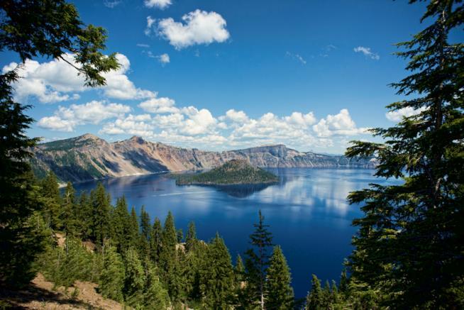 viaggio-yoga-crater-lake