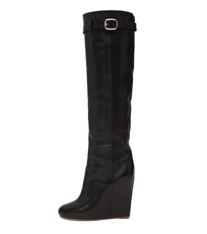 Gli stivali  con le zeppe di Victoria Beckham