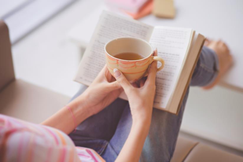 Leggere un libro o fare quello che piace per non avere l'ansia