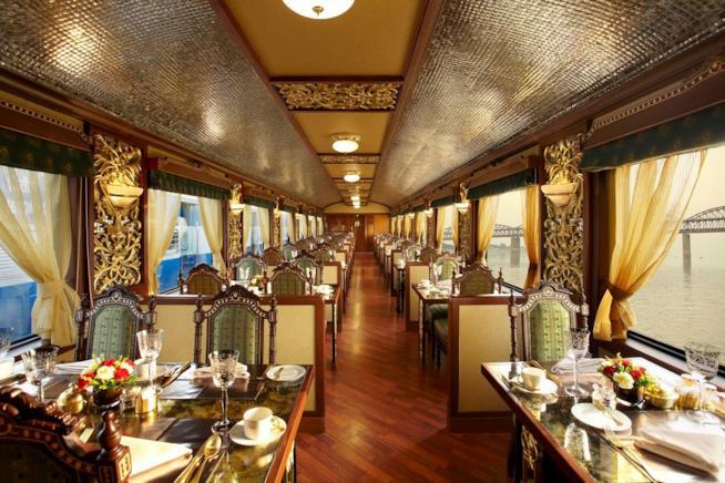 Viaggio in treno sul Maharaja's Express in India
