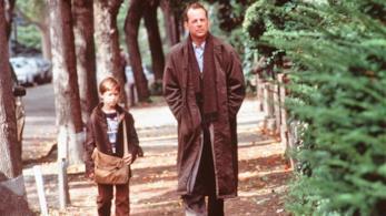 Bruce Willis e Haley Joel Osment protagonisti del film Il sesto senso di M. Night Shyamalan