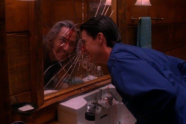 Dale Cooper si specchia e diventa Bob