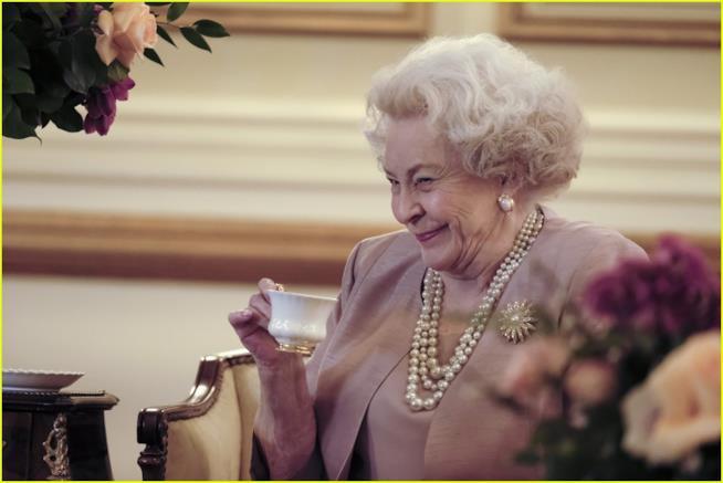 La Regina Elisabetta nel film di Lifetime
