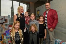 Tori Spelling, Dean McDermott e i loro cinque figli