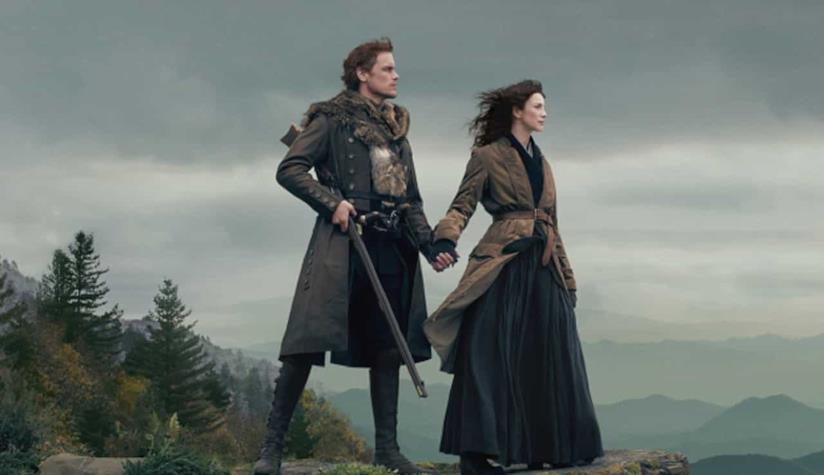 Claire e Jamie in uno scatto sul set della quarta stagione di Outlander