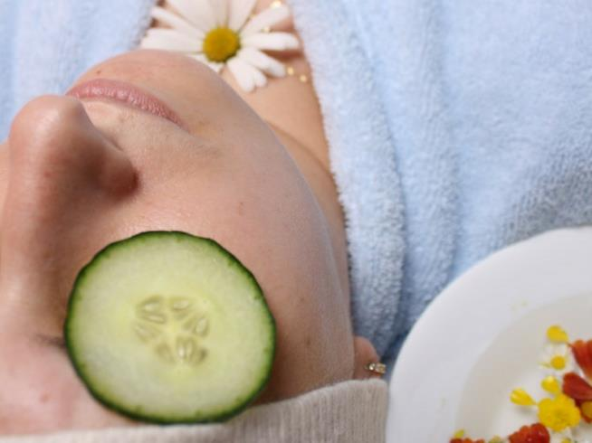 Come usare i cetrioli per la bellezza della pelle