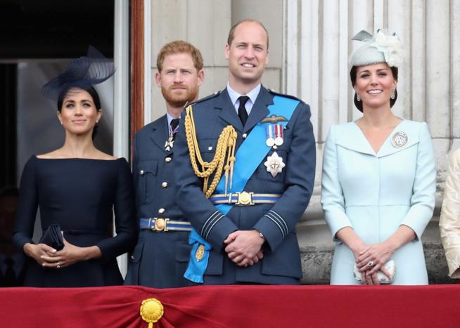 Meghan e Harry con William e Kate a Buckingham Palace