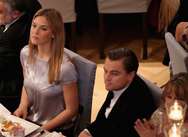 Bar Refaeli con Leonardo DiCaprio