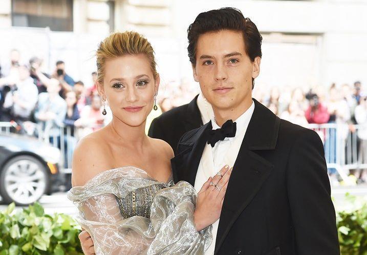 cole Sprouse e Lili Reinhart sul red carpet del Met Gala
