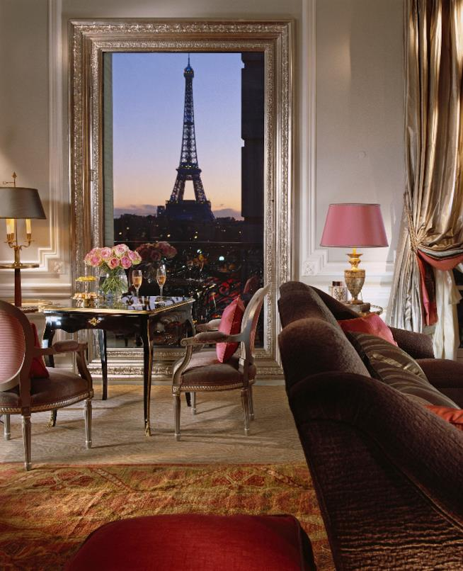L'Hotel Plaza Athenee a Parigi
