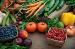 salute a tavola: scopri i benefici dei colori di frutta e verdura
