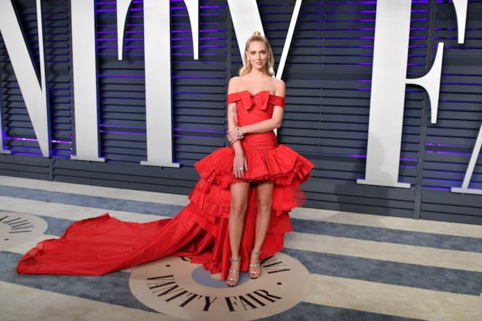 Chiara Ferragni agli Oscar 2019 in abito rosso Giambattista Valli