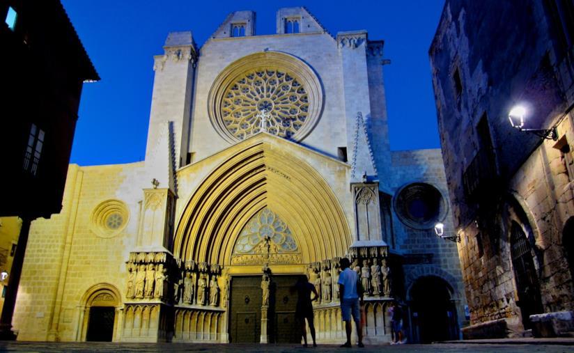 Tarragona by night: la Cattedrale di Santa Maria