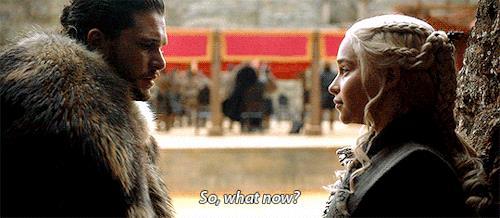 Jon fa una domanda a Dany nell'arena