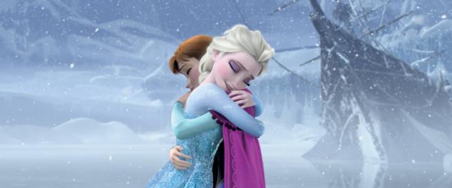 Le sorelle Elsa e Anna in una scena di Frozen - Il regno di ghiaccio
