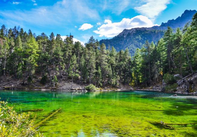 Bardonecchia, tra piste da sci e il suo incantevole Lago Verde