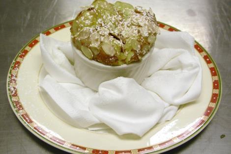 La ricetta sfiziosa e dolcissima del tortino al pistacchio, un dolce unico e inconfondibile
