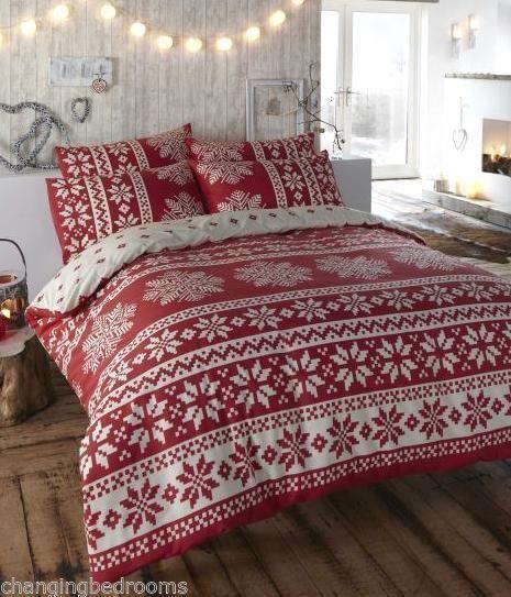 Camera con coperta natalizia