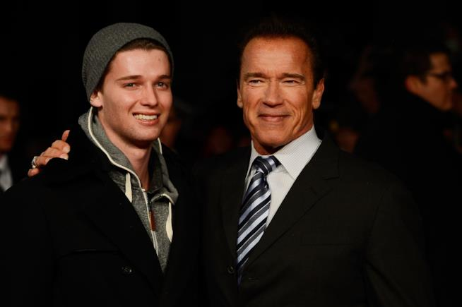 Arnold Schwarzenegger con il figlio Patrick sul red carpet