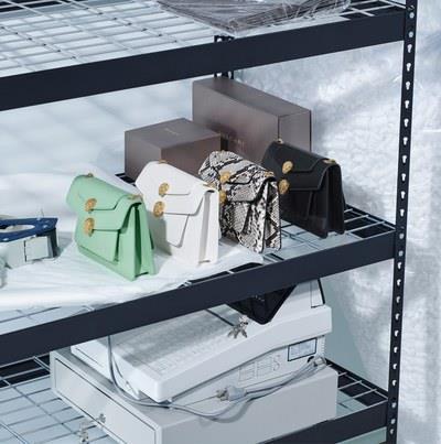 Alcuni modelli della Serpenti Forever Bag disegnata da Alexander Wang