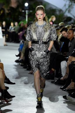 Sfilata LOUIS VUITTON Collezione Donna Primavera Estate 2020 New York - Vuitton Resort PO RS20 0044