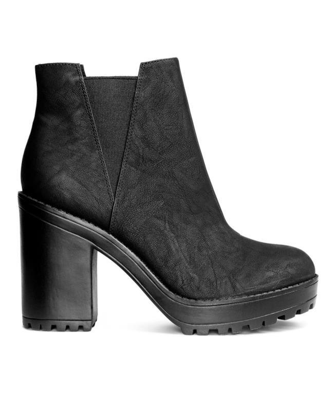 Stivali con tacco alto e doppio e plateau