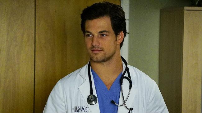 Giacomo Gianniotti in una scena della serie Tv Grey's Anatomy