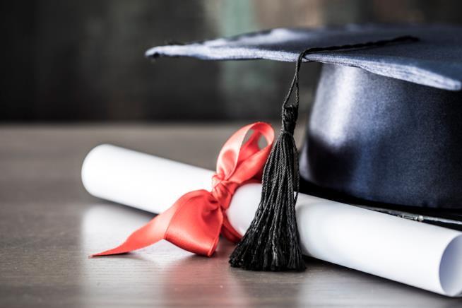 Cappello da laurea con laurea