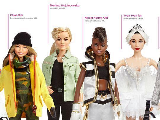 Quattro Barbie della linea sull'empowerment femminile