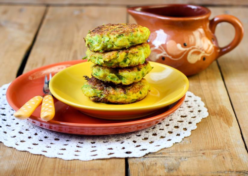 Frittelle di zucchine e erbe aromatiche