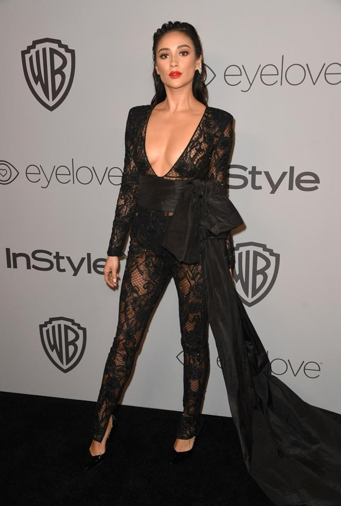 Shay Mitchell al party Golden Globes 2018