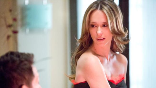 Jennifer Love Hewitt in un'immagine da The Client List