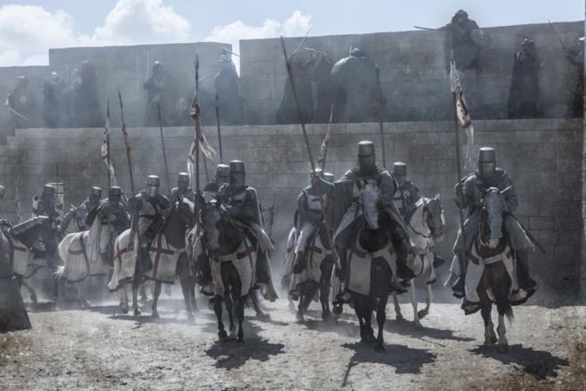 I cavalieri pronti alla battaglia sui loro cavalli