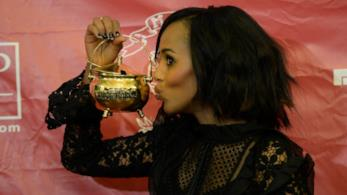 Kerry Washington in completo nero all'Hasty Pudding