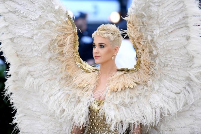 Met Gala 2018: le ali sfoggiate da Katy Perry